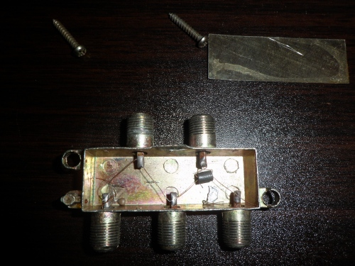 4-way_splitter_5-900mhz_3.jpg